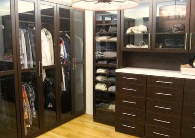 Closet 44